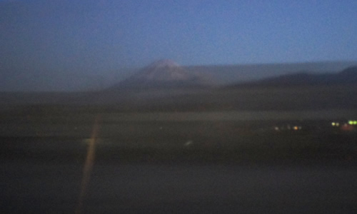 サンライズ出雲の車窓から富士山