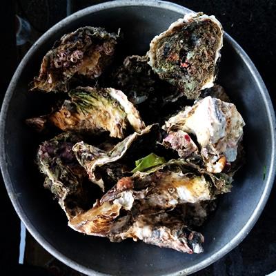 仕入れた牡蠣たち